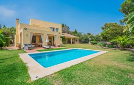 Property for sale in Estepona. Superb Villa in Atalaya Isdabe, Estepona