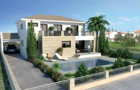 Comfortable villa with a private garden, a swimming pool and a parking, Latsia, Cyprus for 730,000 €