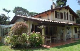 6 bedroom houses for sale in Lucca. Villa – Lucca, Tuscany, Italy