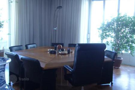 Commercial property for sale in Lombardy. Large office space in Milan