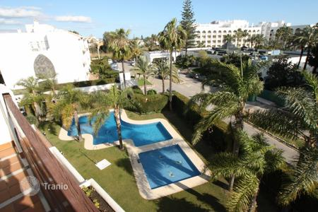 2 bedroom houses for sale in Andalusia. Duplex Penthouse for sale in Alcazaba Gardens, Marbella — Puerto Banus