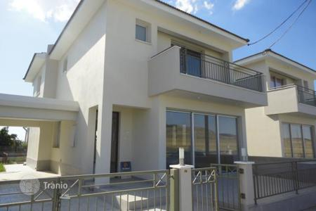 3 bedroom houses for sale in Dali. Three Bedroom Detached House in Dali with Swimming Pool
