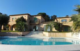 Luxury 5 bedroom houses for sale in Ramatyuel. FOR SALE BEAUTIFUL CHARMED HOUSE IN FRONT OF THE PAMPELONNE BEACH