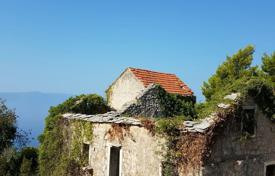 Cheap property for sale in Split-Dalmatia County. Stone houses with courtyard