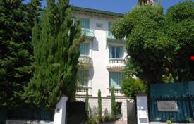 4 bedroom houses for sale in France. Villa with a garden, a summer kitchen and a parking, in Nice, Cote-d`Azur, France