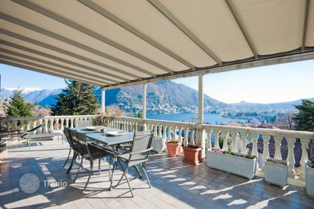 Property for sale in Lombardy. Apartment with delightful view over Lake Como