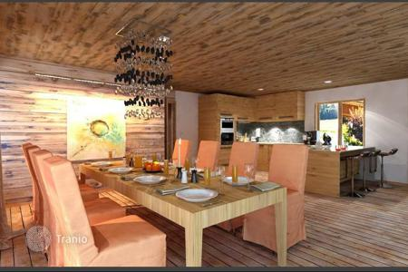 Cheap new homes for sale in French Alps. Three bedroom apartment with mountain views in the new building in the ski resort of Morzine, Haute-Savoie, France