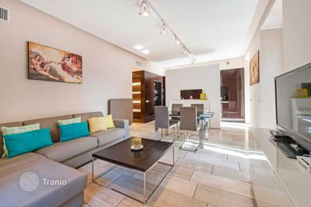 Property for sale in Lazio. Elegant and contemporary apartment with private garden behind the Vatican