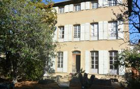 Luxury residential for sale in Aix-en-Provence. Detached house – Aix-en-Provence, Provence — Alpes — Cote d'Azur, France