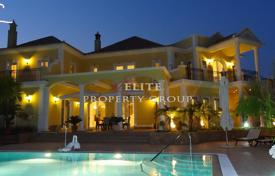 Luxury residential for sale in Quarteira. Villa – Quarteira, Faro, Portugal