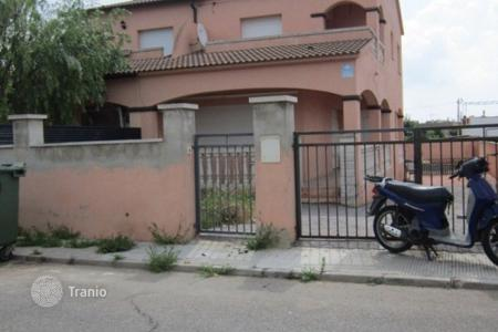 Foreclosed 3 bedroom houses for sale in Catalonia. Villa – Tarragona, Catalonia, Spain