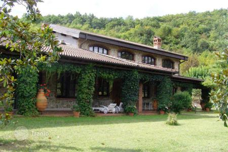 Houses with pools for sale in Piedmont. Villa - Cremolino, Piedmont, Italy