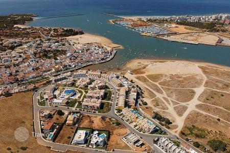 Coastal commercial property in Algarve. Hotel – Portimao, Faro, Portugal