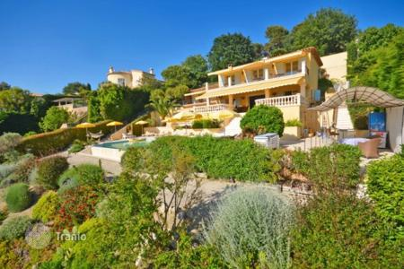 Luxury property for sale in Saint-Paul-de-Vence. Villa – Saint-Paul-de-Vence, Côte d'Azur (French Riviera), France