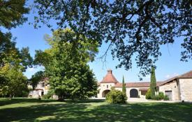 Residential for sale in Nouvelle-Aquitaine. Agricultural – Lot-et-Garonne, France