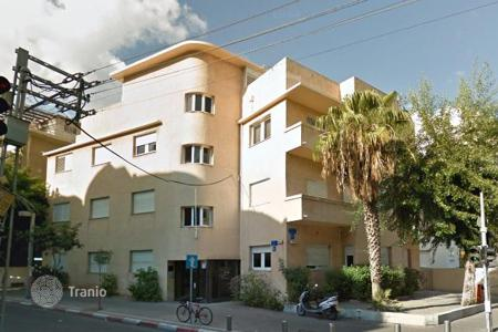 "Coastal houses for sale in Israel. Historic building in ""Bauhaus"" style"