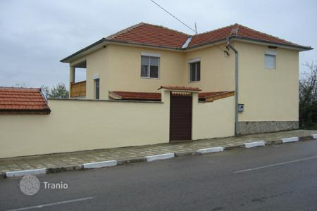 Cheap houses for sale in Yambol. Townhome – Elhovo, Yambol, Bulgaria