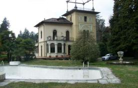 Villa – Varese, Lombardy, Italy. Price on request