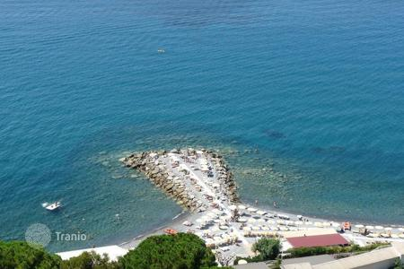 Coastal property for rent in Province of Imperia. Apartment – Province of Imperia, Liguria, Italy