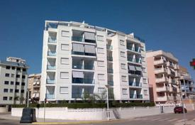 Bank repossessions property in Guardamar de la Safor. Apartment – Guardamar de la Safor, Valencia, Spain