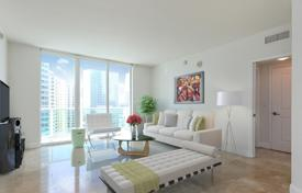 2 bedroom apartments for sale in North America. Three-room apartment facing the ocean in a skyscraper, Downtown, Miami, Florida, USA
