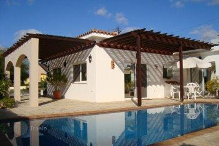 Houses with pools for sale in Tala. Detached house – Tala, Paphos, Cyprus