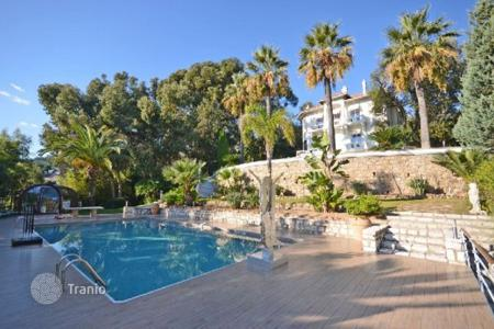 Luxury property for sale in Mandelieu-la-Napoule. Castle – Mandelieu-la-Napoule, Côte d'Azur (French Riviera), France