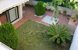 Townhouses for sale in Tarragona. First line townhouse, Cambrils, Spain