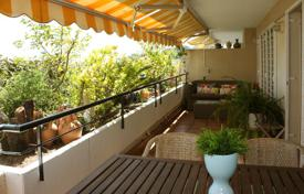 Duplex apartment in coast line at 30 km from Barcelona in residential zone for 500,000 €