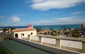 Foreclosed apartments with pools for sale in Costa del Sol. Apartment in Estepona, Spain