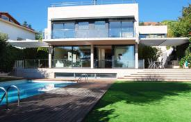 Luxury houses for sale in Catalonia. The house of unique design by Mario Corea, Teia, Costa Maresme