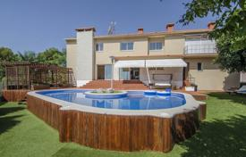 Luxury property for sale in Sitges. Modern villa with a gym, a swimming pool and a garden, Sitges, Spain