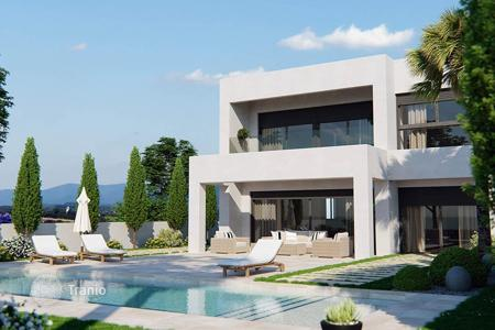 4 bedroom houses for sale in Spain. 4 Bedroom detached villa with private pool in Lo Romero Golf