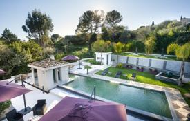 5 bedroom houses for sale in Côte d'Azur (French Riviera). Prestigious Contemporary Villa With Pool In A Secure Domain