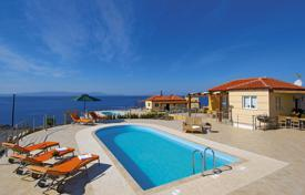 Houses with pools by the sea for sale in Chania. Villa – Chania, Crete, Greece