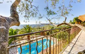 2 bedroom houses for sale in Côte d'Azur (French Riviera). Magnificent villa in provential style with panoramic sea and mountains view