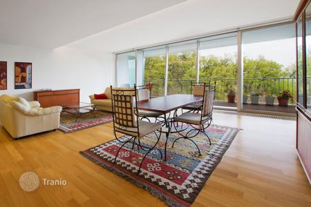 3 bedroom apartments for sale in Prague. Three bedroom apartment with panoramic views in the fifth district of Prague
