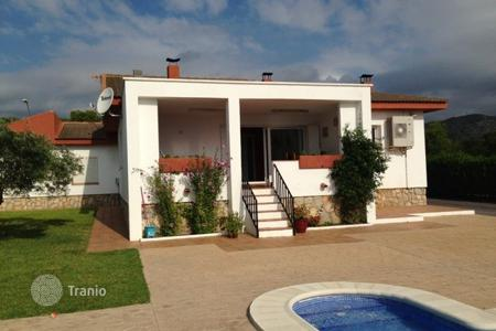 4 bedroom villas and houses by the sea to rent in Tarragona. Villa – Tarragona, Catalonia, Spain