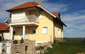4 bedroom houses for sale in Hungary. Townhome – Heviz, Zala, Hungary