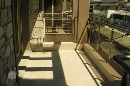 Residential for sale in Administration of Macedonia and Thrace. Comfortable apartment with balcony in a building with a unique design in the center of Thessaloniki