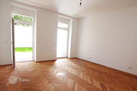 1 bedroom apartments for sale in Vienna. Spacious apartment with a terrace and a private garden in a historic building, Vienna, Austria