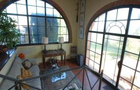 Property for sale in Pontedera. Renovated villa with panoramic views in Pontedera, Tuscany, Italy