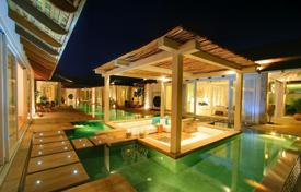 5 bedroom villas and houses to rent in Ko Samui. Villa on the beach in Chaweng