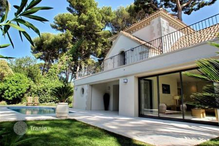 2 bedroom houses for sale in Antibes. Villa – Cap d'Antibes, Antibes, Côte d'Azur (French Riviera),  France