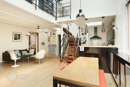 Luxury residential for sale in 9th arrondissement of Paris. Paris 9th District- A split-level workshop-style property