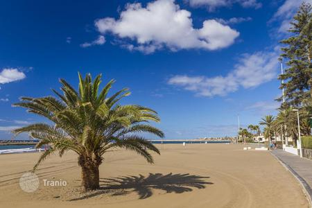 Residential for sale in Maspalomas. Nice Large Apartment next to the Beach