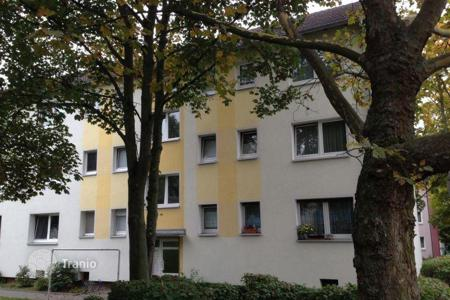Cheap 2 bedroom apartments for sale in Hessen. Profitable investment — rented apartment in a prestigious area of Eschersheim, Frankfurt