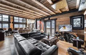 Luxury chalets for sale in Alps. Furnished chalet with a terrace, a swimming pool, a Jacuzzi and a garage, in the ski resort of Val d'Isère, Savoie, France