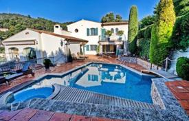 Luxury 5 bedroom houses for sale in Villefranche-sur-Mer. Three-storey villa with a pool and a garden, Villefranche-sur-Mer, France