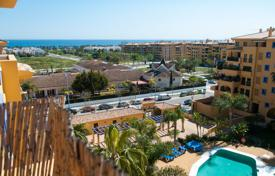 Trendy penthouse near the beach in San Pedro Alcantara, Andalusia, Spain for 429,000 €